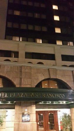 Hotel Plaza San Francisco: Entrada del hotel