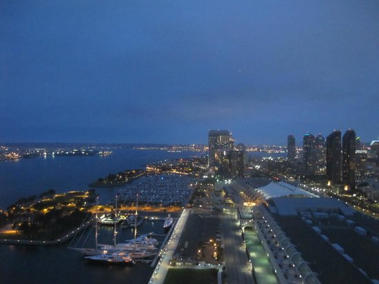 Hilton San Diego Bayfront: View at Night