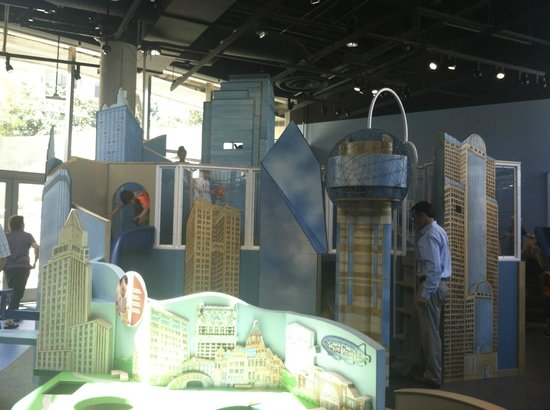 Perot Museum of Nature and Science: mini Dallas skyline