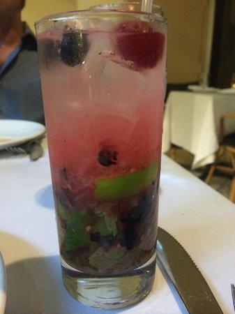 Mayfair Hotel & Spa: yummy berry Mojito