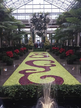 Longwood Gardens : thousands of apples