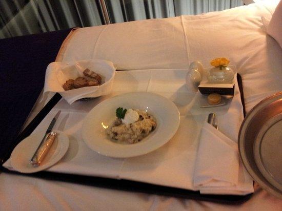 Sofitel Munich Bayerpost: Room Service