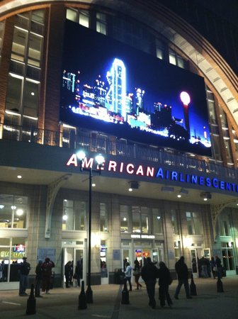 American Airlines Center: front