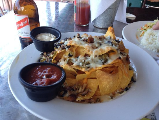 Rooms Ocho Rios: Nachos at John Crow, very good for lunch