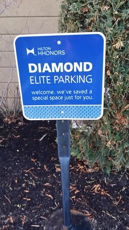 Hampton Inn & Suites Toledo-Perrysburg: HHonors Diamond Parking