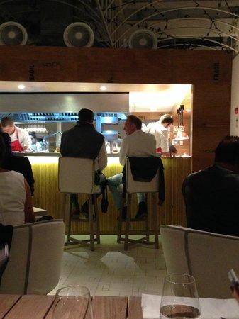 Astrid & Gastón: Bar e cozinha