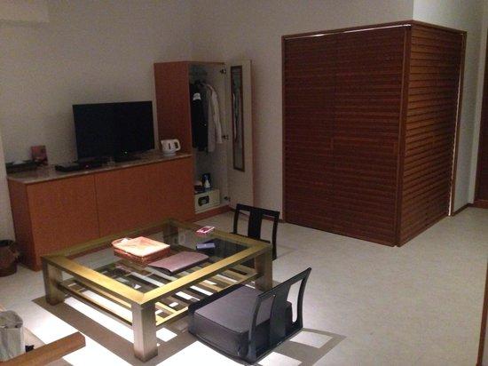 Hotel Umine: 部屋 ベッドルームと仕切れるようになってます