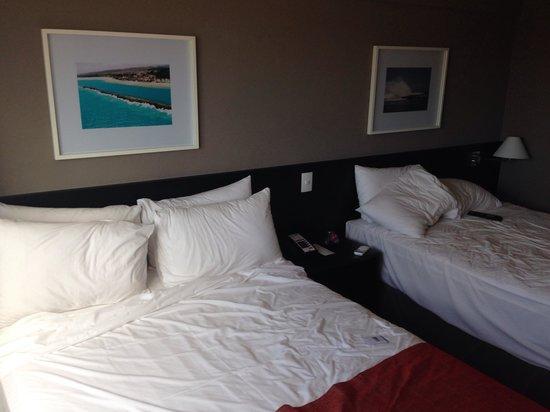 Holiday Inn Express Maceio Ponta Verde: Camas extremamente confortáveis.