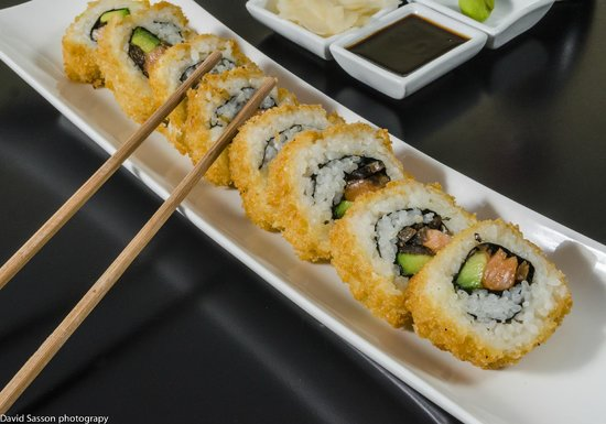 Sushi Bar Jerusalem Crunchy Roll