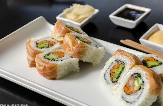 Sushi Bar Jerusalem: Sake Teriyaki Roll