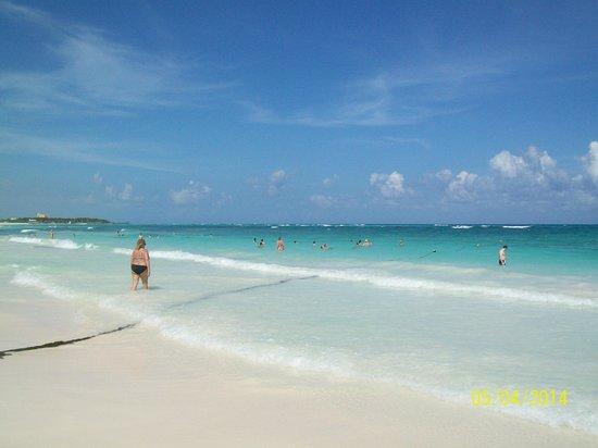 Grand Palladium Kantenah Resort & Spa: Playa colonial kantenah