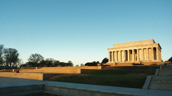Lincoln Memorial: Shortly after dawn, sunlight striking the Memorial