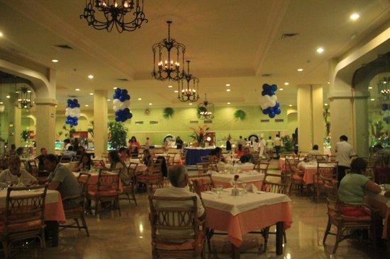 Grand Palladium Kantenah Resort and Spa: Buffet Kabah