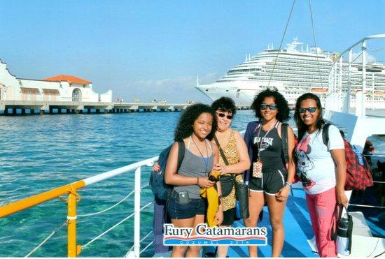 Fury Catamarans - Tours : Girls week out