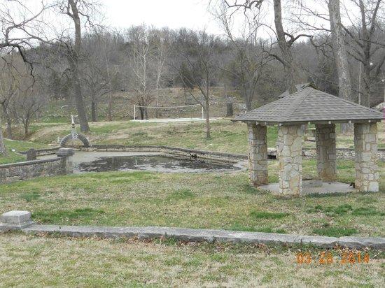 Sulphur Springs, Арканзас: Springs & sports fields