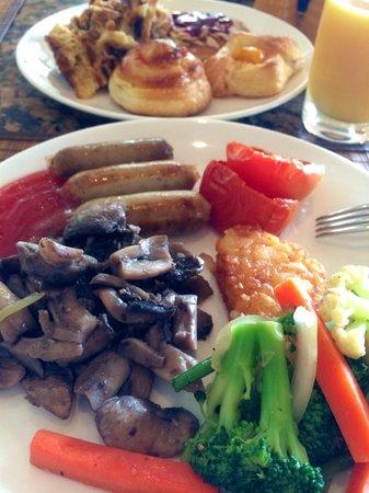 Conrad Bali: love the hotel breakfast!