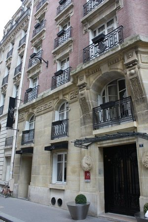 Hotel Ares Paris: Location, comfort, value, and service = Hotel Ares
