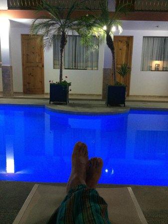 Hotel Las Flores: La piscina..... un merecido descanso