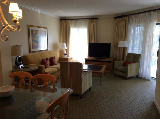 Marriott's Barony Beach Club: Suite living room area