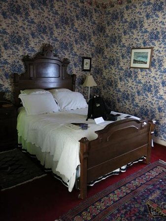 A Yellow Rose Bed and Breakfast: Bluebonnet room