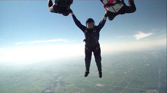 Chicagoland Skydiving Center : hybrid over CSC