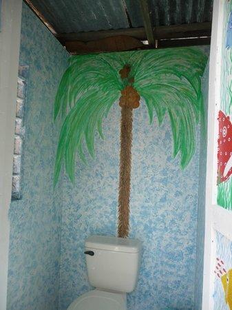 PAUSE Hostel : Bathroom  :)