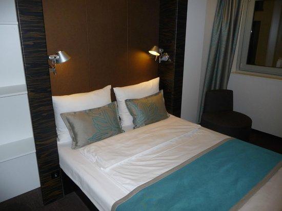 gem tliche bucht zum fr hst cken picture of motel one. Black Bedroom Furniture Sets. Home Design Ideas
