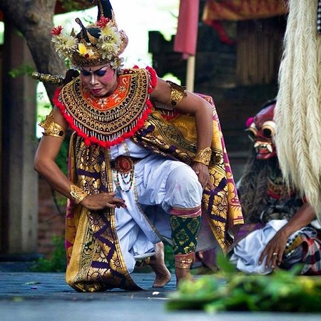 Bali Island Adventure Tours : Character in Barong Dance