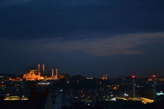 Turkland Tours Istanbul Day Tours: Istanbul skyline by night