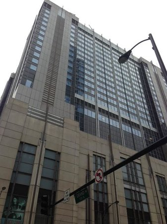 Embassy Suites by Hilton Chicago Downtown Magnificent Mile: Street View