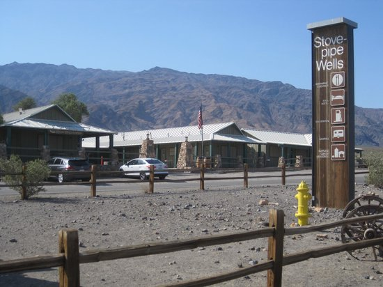Stovepipe Wells Village Hotel: Stovepipe Wells Village
