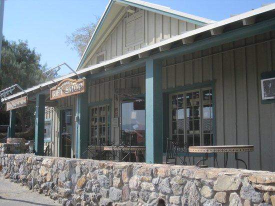 Stovepipe Wells Village Hotel: Registration & Gift Shop