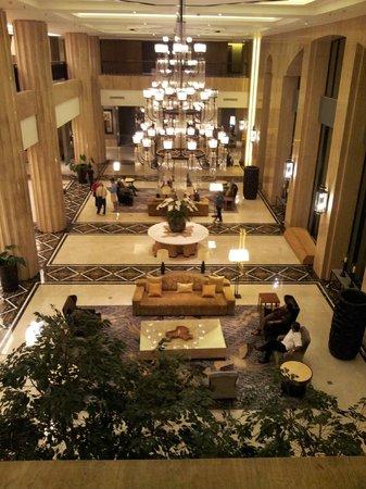 Hotel Tentrem Yogyakarta : lobby