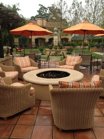 Napa Valley Lodge: Fire pit