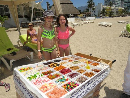 Hilton Puerto Vallarta Resort : Vendor on the beach