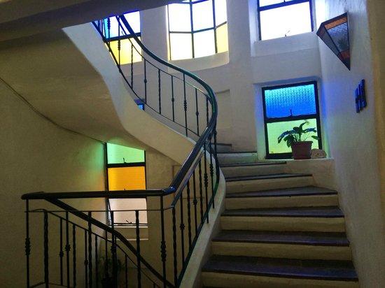 Bangera Inn: Staircase