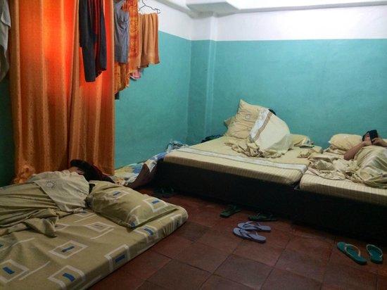 Bangera Inn: Room