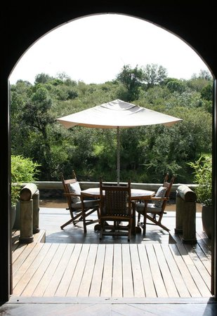 Sanctuary Olonana : A pleasant spot for a cup of tea or sundowner.