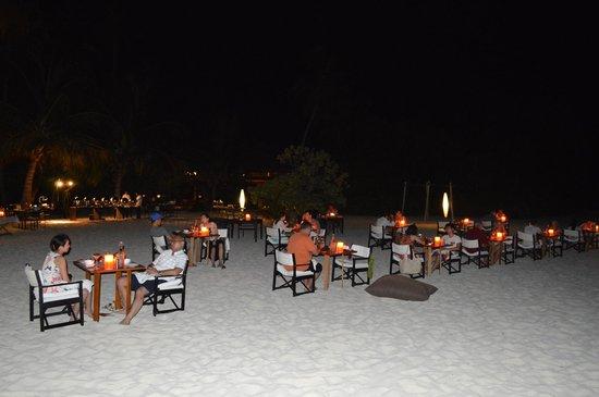 Park Hyatt Maldives Hadahaa: Maldivian buffet night