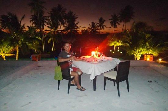 Park Hyatt Maldives Hadahaa: Starlight terrace dining