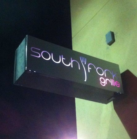 South Fork Grille: Small sign outside tells you have arrived