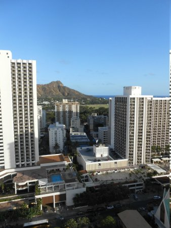 'Alohilani Resort Waikiki Beach : View from room and Diamond Head