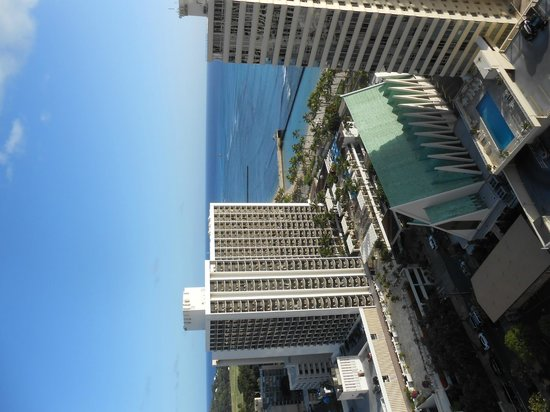 Pacific Beach Hotel : Afteroon view