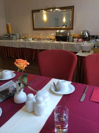 Hotel Wolf-Dietrich: breakfast