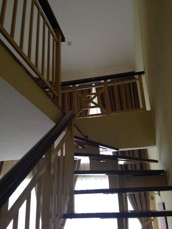 Lotus Desaru Beach Resort: Stairs