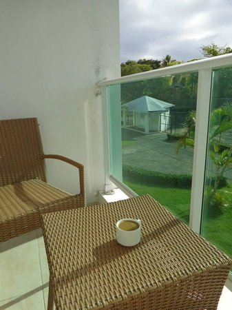 Grand Paradise Playa Dorada : Enjoying coffee on our tiny balcony.