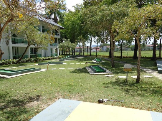 Grand Paradise Playa Dorada : Mini golf.