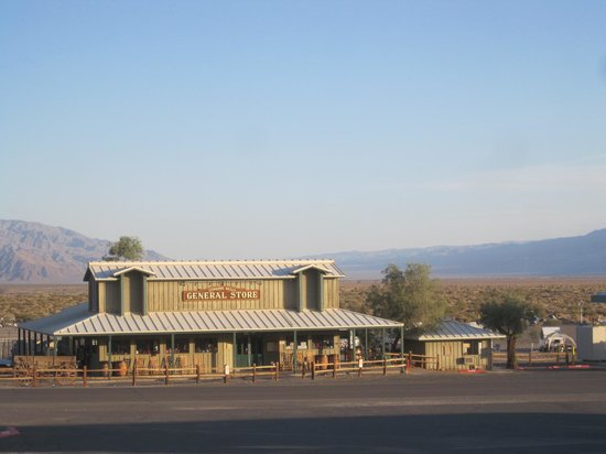Stovepipe Wells Village: General Store