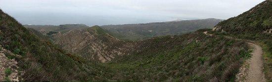 Valencia Peak Trail: hike through the ridge of the hills