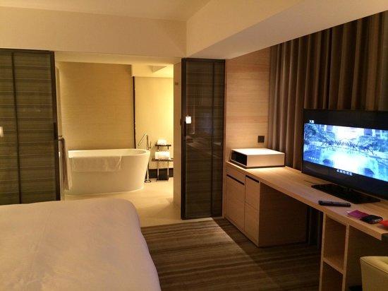 Hotel Cozzi Minsheng Taipei: Comfortable modern decor